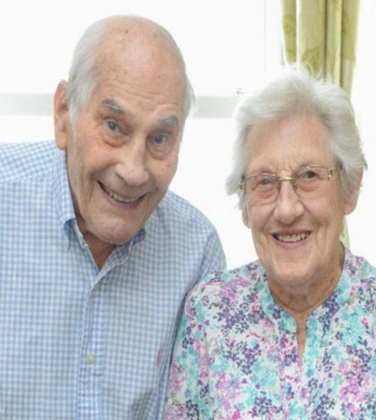 British couple become oldest people to marry