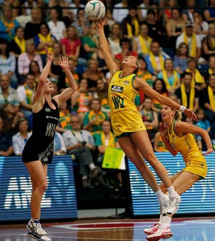 Australia beat Silver Ferns