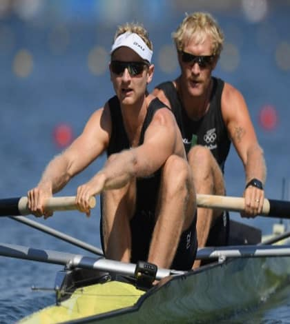 Bond and Murray win Gold