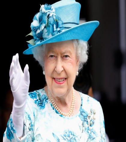 Queen celebrates Sapphire Jubilee