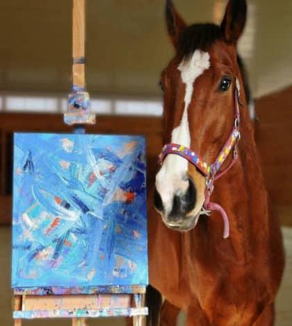 Racehorse turns into artist