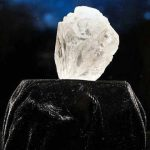 World's largest diamond sells for record