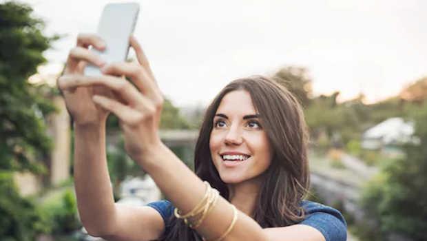 Selfies makes your nose look bigger